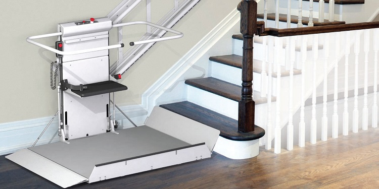 Outdoor platform stair lift / for the disabled